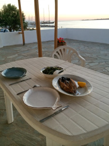 Gouna, fasolakia and Paros at sunset...